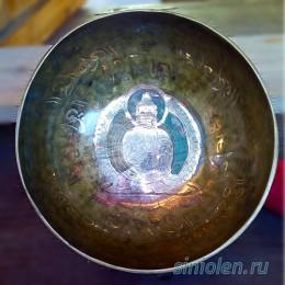 Тибетская поющая чаша ручной ковки с изображением Будды или Тары
